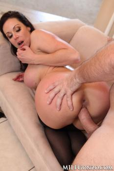 Kendra Lust – A Much Needed Fucking For MILF Kendra Lust