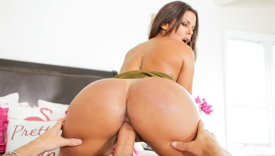 My Sister Is A Size Queen With Diamond Kitty – Openload Free