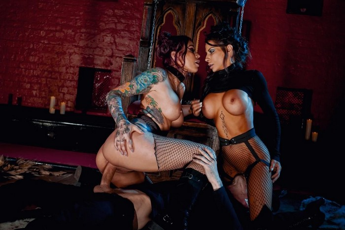 Madison Ivy, Monique Alexander – No Mercy For Mankind [Openload Streaming]