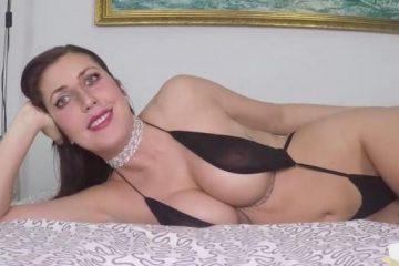 Gisela Green – La TETONA Gisela, 2 RABAZOS para ella solita y nuevas LECCIONES DE SEXO con una autentica diosa [Openload Streaming]