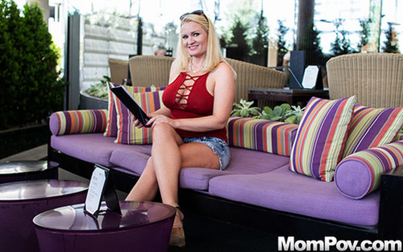 Charlee – Hot MILF With Wild Sex Drive [Openload Streaming]