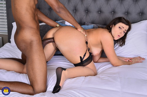 Helena Price – Hairy white MILF is in need for a big throbbing black cock [Openload Streaming]