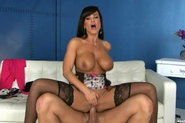 Big boob milf lisa ann gets a hardcore sy pounding [Openload Streaming]