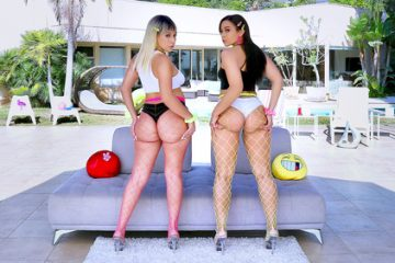 Valentina Jewels, Adriana Maya – Big Booty Love With Valentina And Adriana [Openload Streaming]