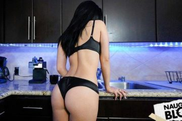 Perv Mom – Crystal Rush [Openload Streaming]