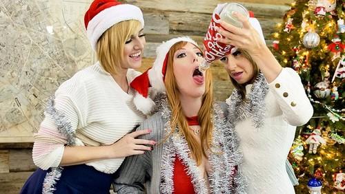 Natasha Ianova, Kate England, Lauren Phillips – A Bad MYLFS Xmas [Openload Streaming]