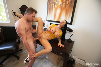 Jasmine Jae Gets A Surprise Cock At The Vacation [Openload Streaming]