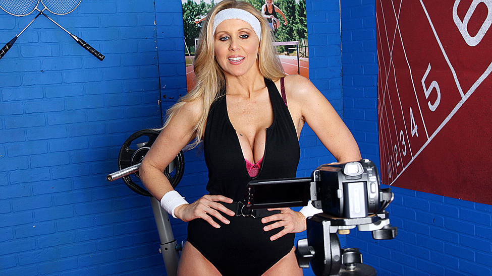 Hyper Spaz Tits Workout Julia Ann & Toni Ribas [Openload Streaming]
