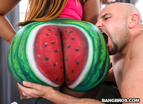 Victoria Cakes – Fuckin' That Watermelon Booty [Openload Streaming]