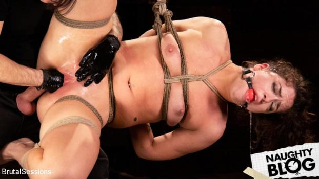 Victoria Voxxx – Victoria Voxxx: Bound, Beaten, and Thoroughly Fucked by Tommy Pistol [Openload Streaming]
