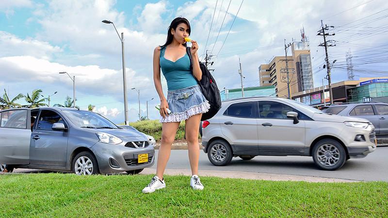 Bella Dulce – Hot Wet Latina Summer [Openload Streaming]