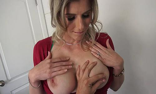 Cory Chase – Big Tit Stepmom [Openload Streaming]