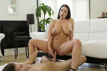Angela White – Busty Beautiful [Openload Streaming]