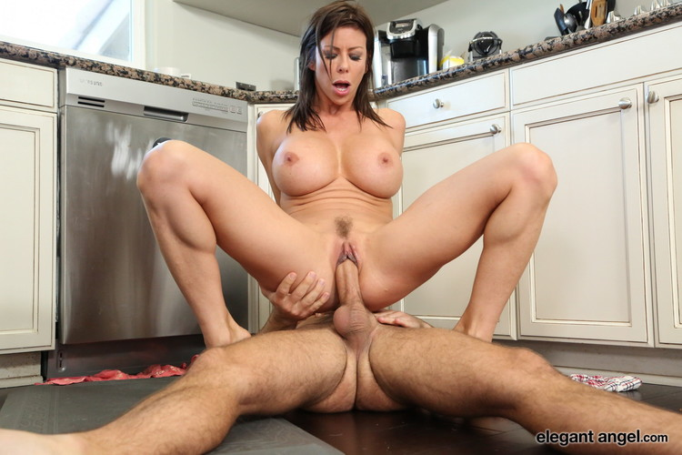 Alexis Fawx – It's a Family Thing 4 [Openload Streaming]