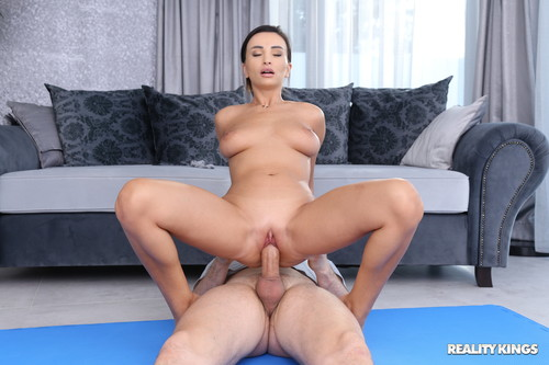 Alyssia Kent – Lend Alyssia A Hand [Openload Streaming]