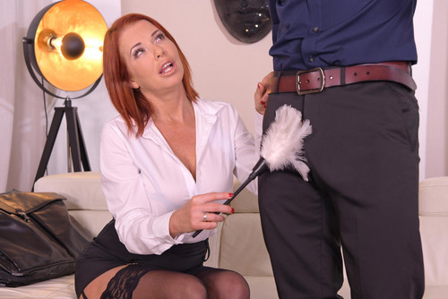 Veronica Avluv – Busty Milf on Anal Assignment [full length porn]