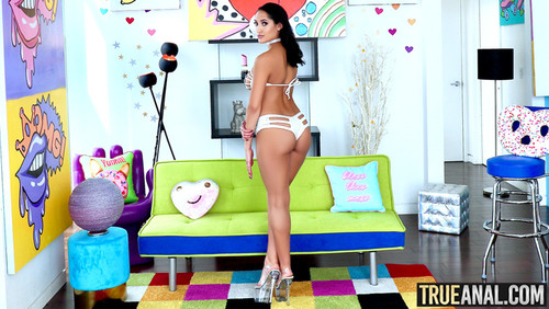 True Anal – Chloe Amour [Openload Streaming]