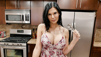 Jasmine Jae – My Attention Starved Stepmom [full length porn]