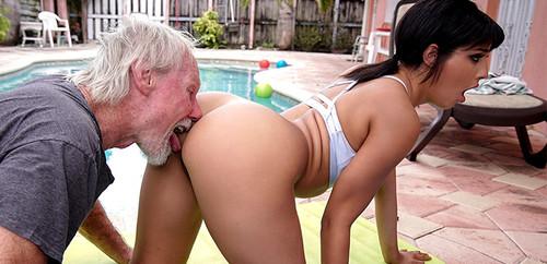 Misty Quinn, Kosame Dash – Old Man Loves The Booty [full length porn]
