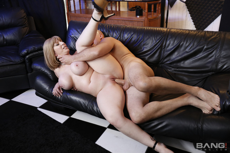 Sara Jay Gives Us An Exclusive Interview With Her Pussy [full length porn]