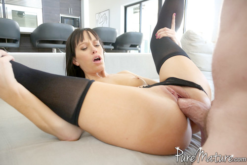 Alana Cruise – Home From The Club [Openload Streaming]