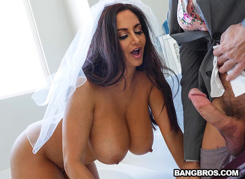[BigTitsRound@sses] Ava Addams Fucks the Best Man [full length porn]