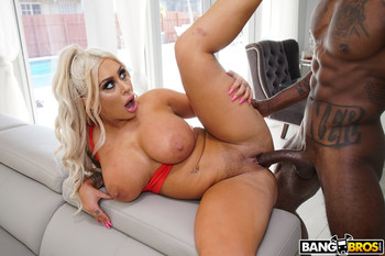 Brandi Bae – Big Ass on Big Black Cock!