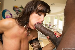 Lisa Ann – Anal Silenced By Mandingo's Cock