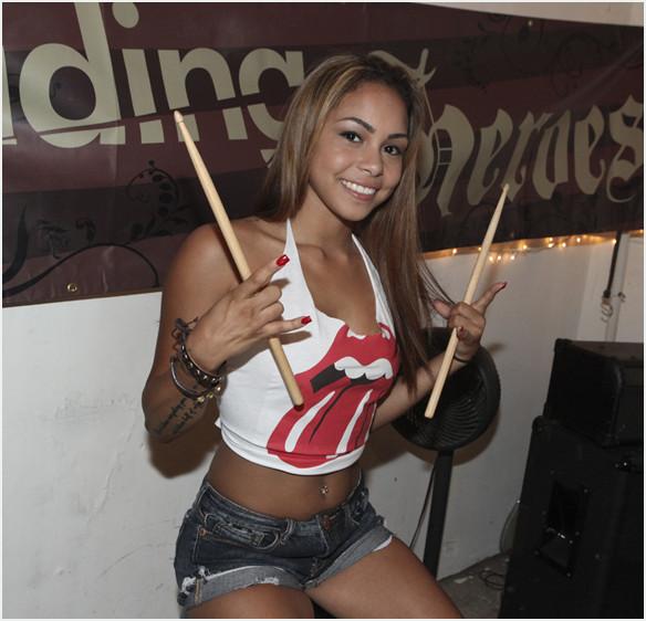 Gulliana Alexis – Rock N' Roll Babe