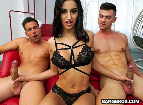 Natasha La Piedra – Natasha Likes It Rough
