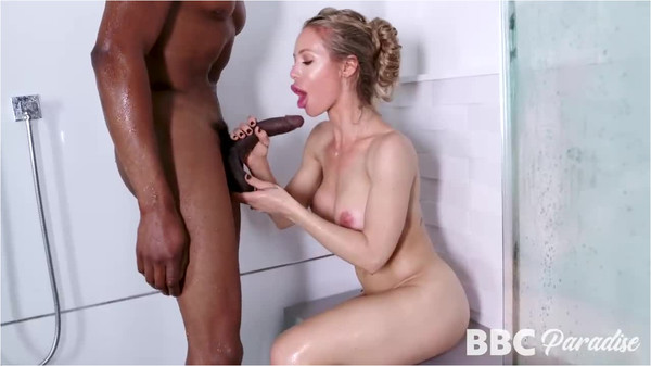 Nicole Aniston In Cramming Blonde Cooch In The Shower