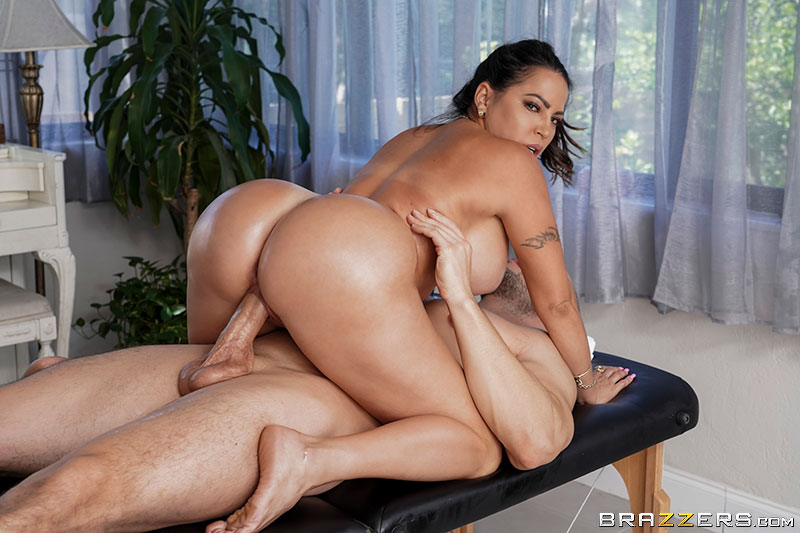 Massaging My Friend's Mom Julianna Vega & Duncan Saint [XXX FREE]