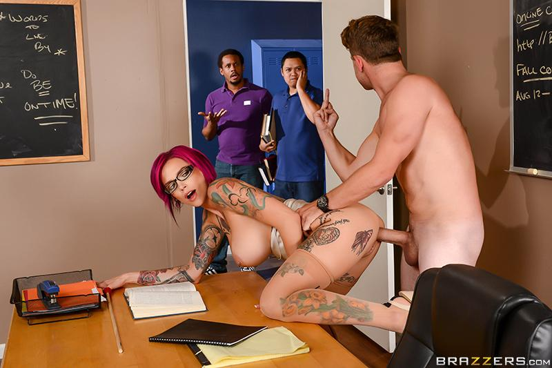 Sexy Pictures Worth A Thousand Words Van Wylde & Anna Bell Peaks [XXX FREE]