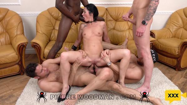 Woodman Casting X – Elvira Black [XXX FREE]